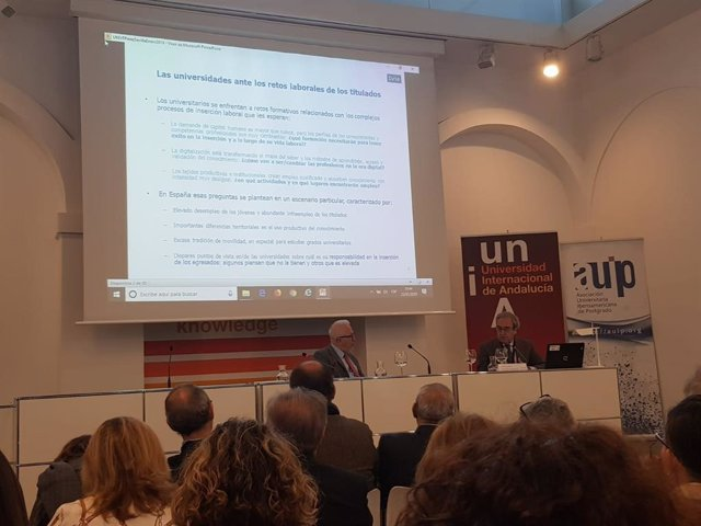 Jornada de la UNIA sobre la inserción laboral de universitarios