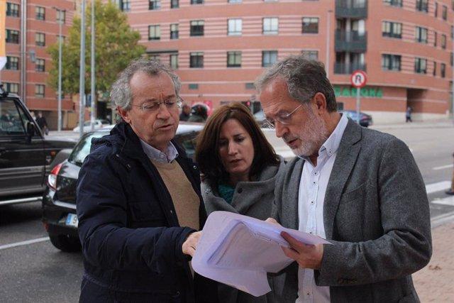 Los concejales Manuel Saravia y Manuel Sánchez, en Parquesol, Valladolid
