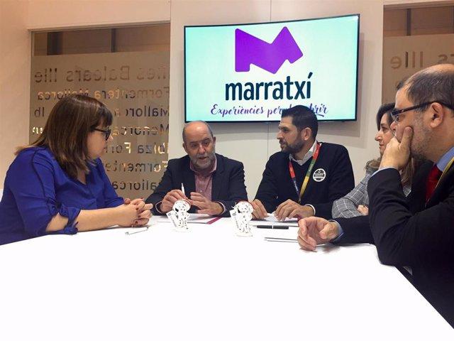 Firma del convenio entre Ayuntamiento de Marratxí y  'Cyclyng Friendly'