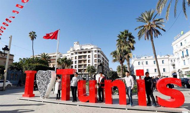 Turistas en la capital de Túnez