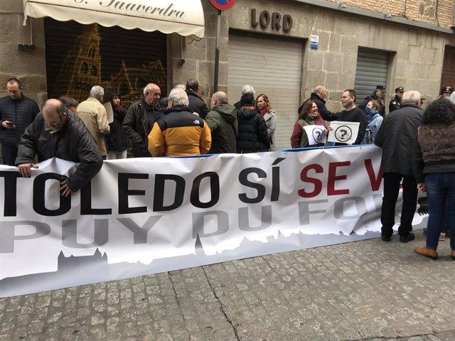 'Queremos Saber La Verdad Del Puy Du Fou' Se Concentra En San Marcos