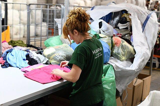 Tratamiento de ropa por parte de Humana