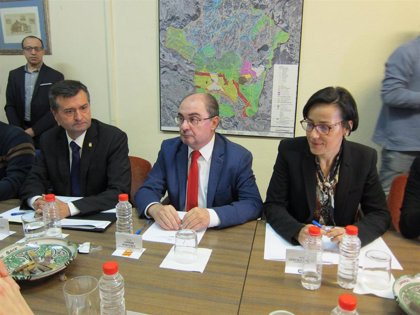 Lambán anuncia que cinco empresas están interesadas en invertir en Andorra (Teruel)