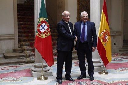 """España y Portugal defienden su apuesta por el diálogo en Venezuela y recuerdan que allí viven """"un millón de europeos"""""""