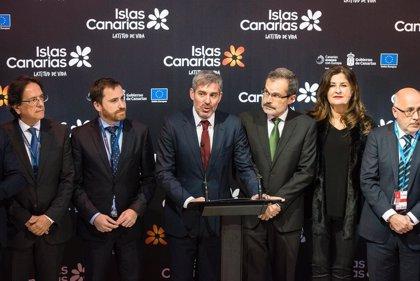 """Clavijo pide """"más trabajo conjunto"""" con el Gobierno para mejorar las previsiones turísticas"""