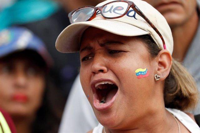 Manifestante en una protesta contra el Gobierno de Nicolás Maduro