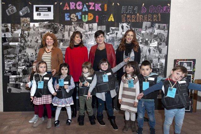María Solana, Maider Beloki y la docente y alumnado responsables de '8 txiki HAN