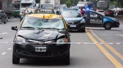 Un taxista atropella y mata a una niña de 13 años en el Aeroparque argentino Jorge Newbery