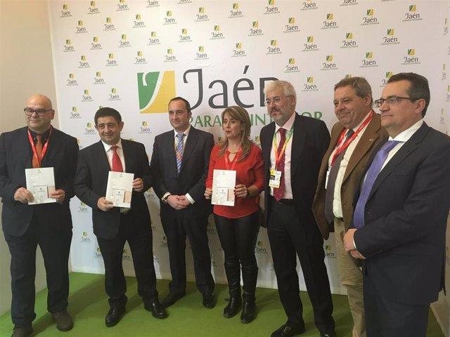 Presentación en Fitur de la Guía de Establecimientos Turísticos de Jaén