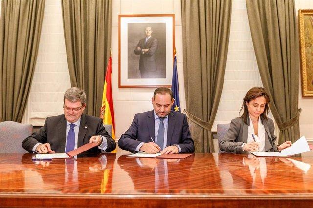Nota Prensa Ábalos Suscribe Protocolo Con El Alcalde De Bilbao