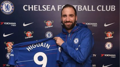 Higuaín jugará cedido en el Chelsea lo que resta de temporada