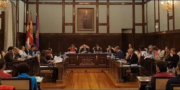 2. Diputación Guadalajara aprueba unas cuentas de 61 millones con el apoyo decisivo de la diputada no adscrita