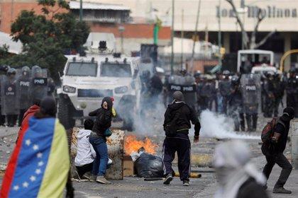Al menos ocho muertos por los enfrentamientos entre manifestantes y fuerzas de seguridad en Venezuela