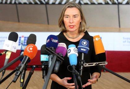 """La UE apoya """"plenamente"""" a la Asamblea Nacional y pide iniciar proceso para nuevas elecciones """"libres"""""""