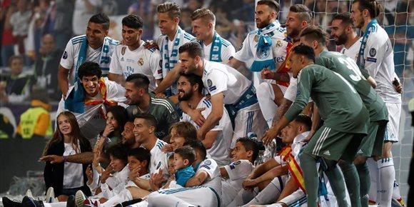 10. El Real Madrid supera al Manchester United como el club más rico del mundo
