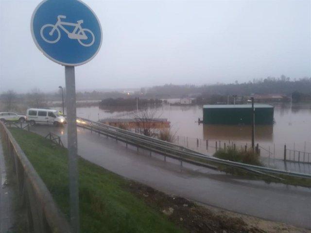 Carretera con inundaciones
