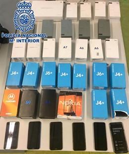 Teléfonos móviles recuperados por la Policía