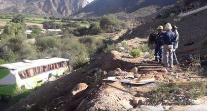 Siete muertos y 24 heridos en un accidente de autobús en Bolivia