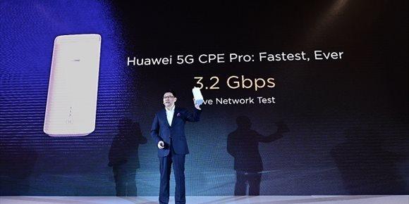 2. Huawei presenta su primer móvil comercial 5G junto con el procesador Balong 5000