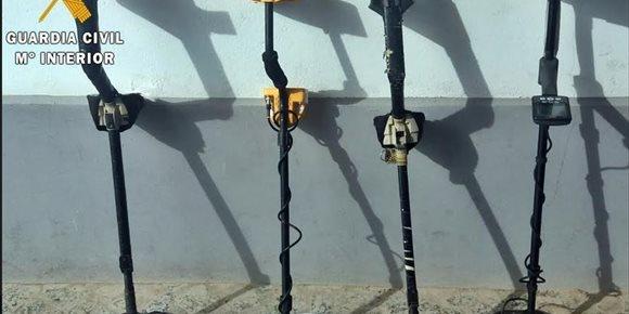 6. Intervenidas en Fuente de Cantos una treintena de piezas arqueológicas a cuatro supuestos expoliadores