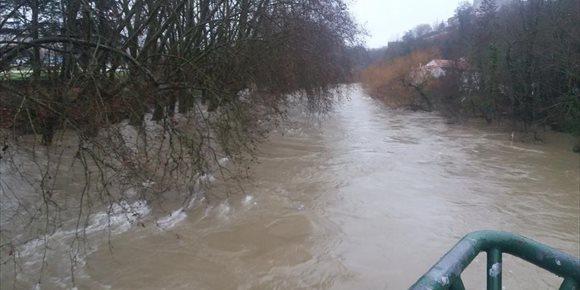 1. El Gobierno mantiene la situación de prealerta por la crecida del Arga, aunque no se esperan inundaciones importantes