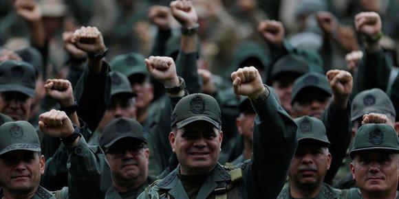 1. Las comandancias regionales de las FFAA salen en apoyo de Maduro tras la autoproclamación de Guaidó