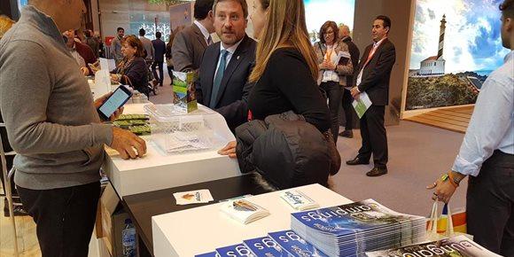3. El estand de Aragón se revela como un buen escenario de reuniones con operadores de turismo