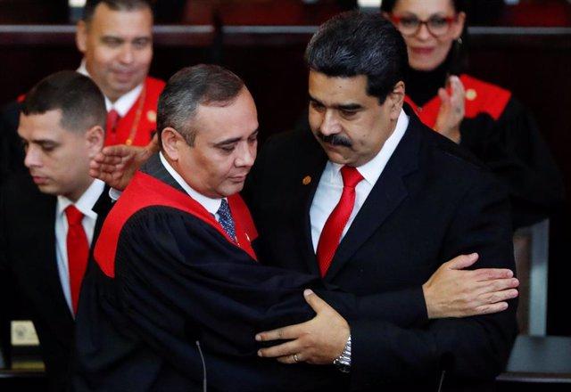 El jefe del TSJ, Maikel Moreno, y el presidente de Venezuela, Nicolás Maduro