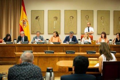 El Congreso decide el lunes si llama a comparecer de urgencia a Sánchez y 13 ministros