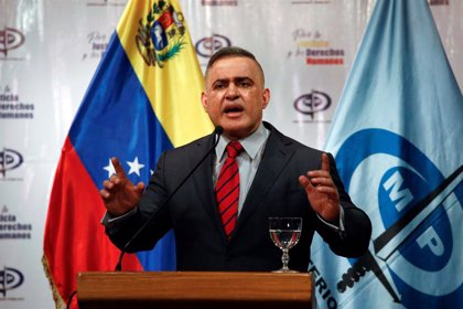 """El fiscal general de Venezuela condena """"la pretensión de dar un golpe de Estado"""" y expresa su apoyo a Maduro"""