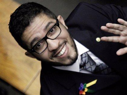 El primer congresista de Brasil abiertamente homosexual dimite y abandona el país por amenazas de muerte