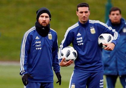 """Scaloni y la vuelta de Messi a Argentina: """"Hablaremos, tengo una buena sensación"""""""