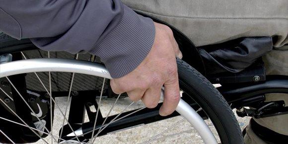 8. Las sillas de ruedas serán financiadas con hasta 5.000 euros