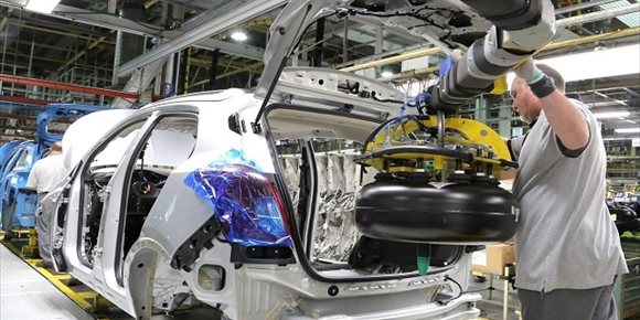 1. La producción de vehículos en España cae por segundo año consecutivo por el WLTP y la baja demanda