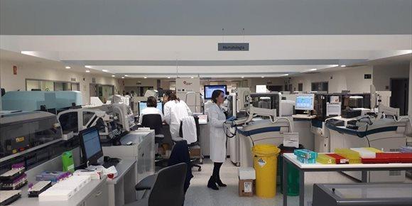 10. Los laboratorios del Hospital Universitario San Cecilio de Granada consiguen el sello de calidad excelente