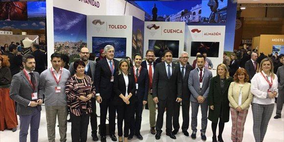 8. As 15 Cidades Patrimonio da Humanidade reúnense en Fitur e asinan tres convenios para a súa promoción