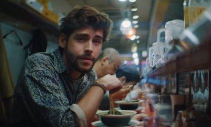 Álvaro Soler nos cuenta (desde Tokio) la desgarradora nostalgia de una loca historia de amor