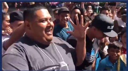 Se viraliza una batalla de freestyle entre raperos y mariachis que deja atónitos a los usuarios en redes