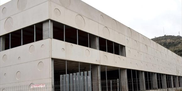 5. Loja (Granada) tendrá que devolver a la Junta una ayuda de más de un millón de euros por no acabar el centro deportivo