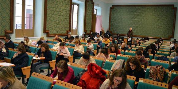 8. Centenares de alumnos participan en los primeros exámenes presenciales del cuatrimestre en la UNED en Almería