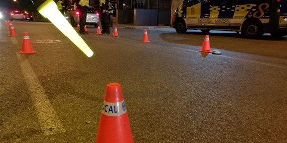 9. Detenido en Sevilla por conducir ebrio y sin carné en un vehículo robado e intentar agredir a policías