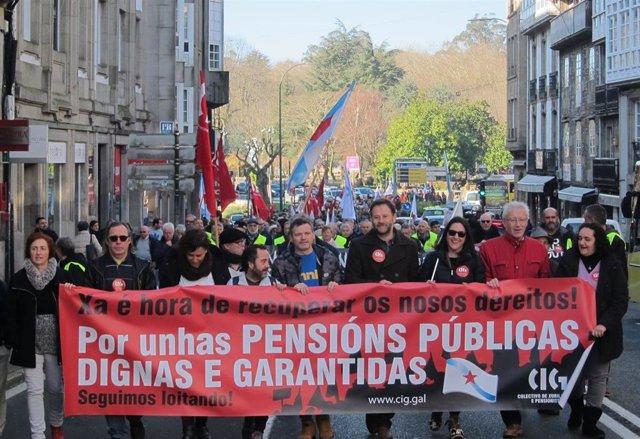 """Manifestación en Santiago de Compostela por unas pensiones públicas """"dignas"""""""