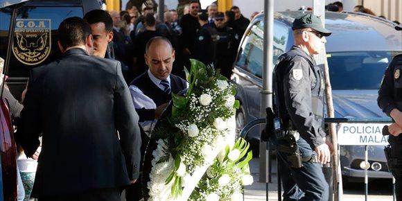 1. El funeral por Julen, el niño de dos años hallado sin vida tras caer en un pozo, será este domingo a mediodía