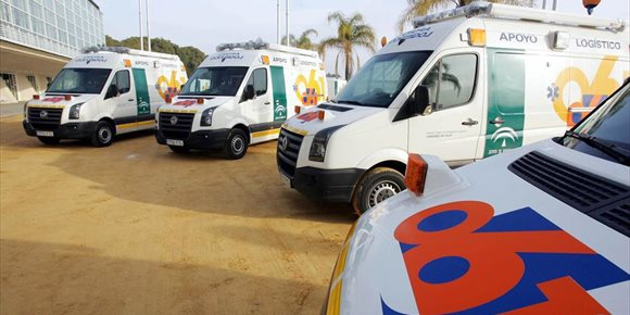 10. Atendida una persona atrapada en un turismo tras un accidente con una moto en Córdoba