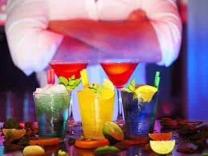 Los cócteles que más se beben en el mundo, muchos de ellos latinos
