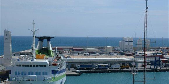 3. Melilla saca 50.000 bonos para abaratar viajes en barcos y avión