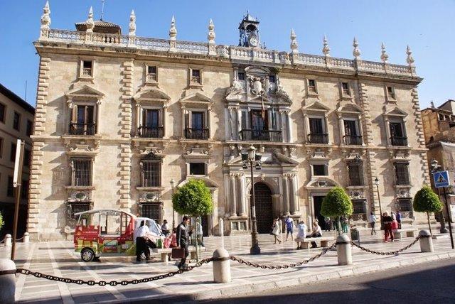 Real Chancillería, sede del TSJA y de la Audiencia Provincial