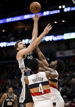San Antonio Spurs Pau Gasol New Orleans Pelicans