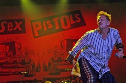 Dr Martens lanza una línea de zapatos inspirada en Sex Pistols