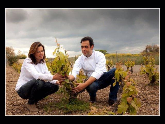 Fernando y Angelines de Obrador Gate en la viña